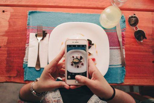 3. Organize eventos para dar às pessoas uma razão para comer fora